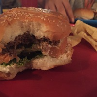 bangalore eats: burgers at smally's resto cafe.