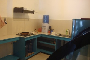 pedlar's inn hostel kitchen. galle, sri lanka. october 2015.
