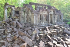 wandering amongst the ruins of beng mealea. siem reap, cambodia. may 2016.