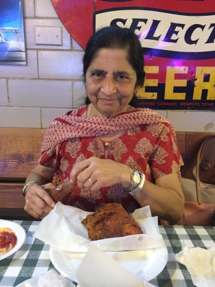 friday lunch at gus's with the mother. memphis, tennessee. august 2016.